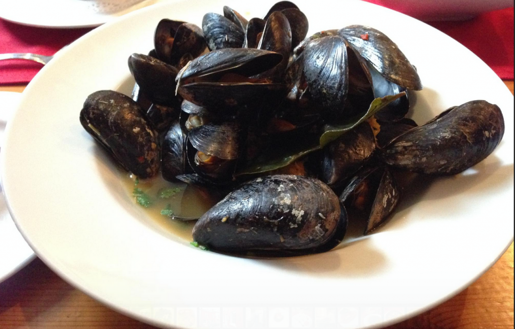 Steamed Mussels Doyles of Dingle